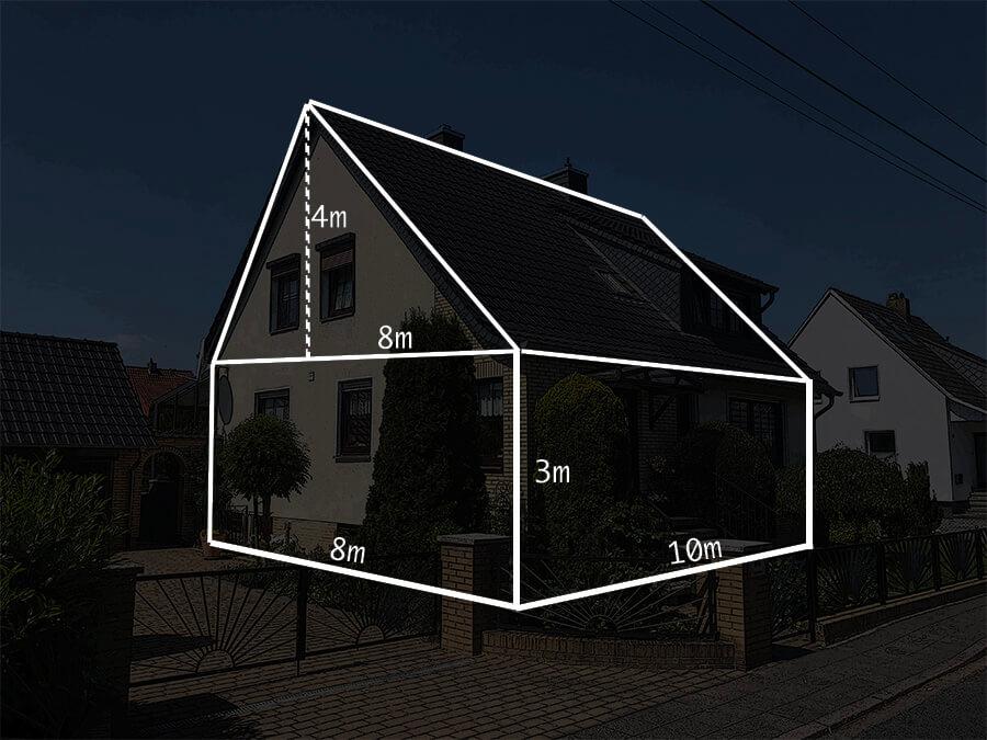 Haus mit Bemaßungen für Fassadenanstrich
