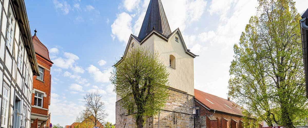 Maler für Fassadenrenovierung im Raum Neustadt am Rübenberge